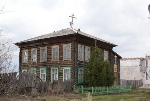 А это нынешняя церковь, в былое время здесь был Дом Пионеров